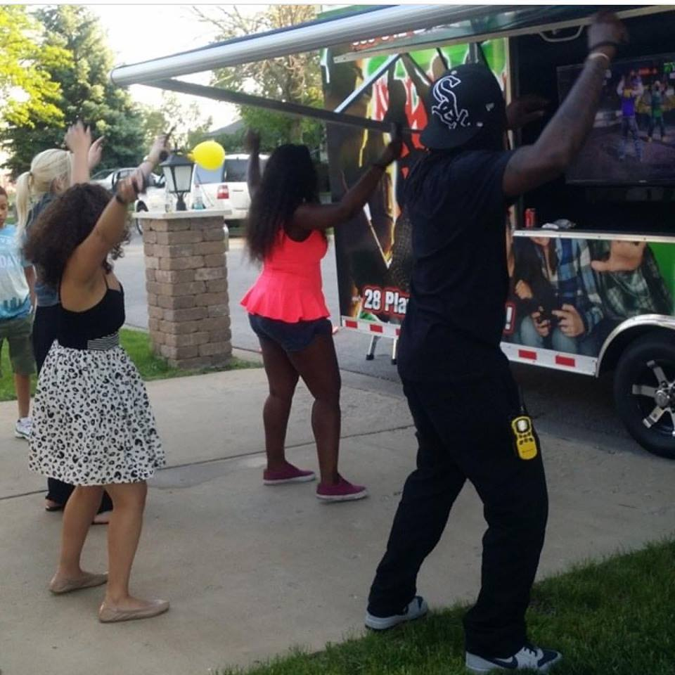 video-game-truck-party-in-chicago-020