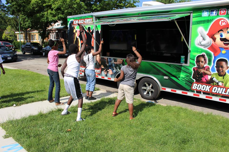 video-game-truck-party-in-chicago-022